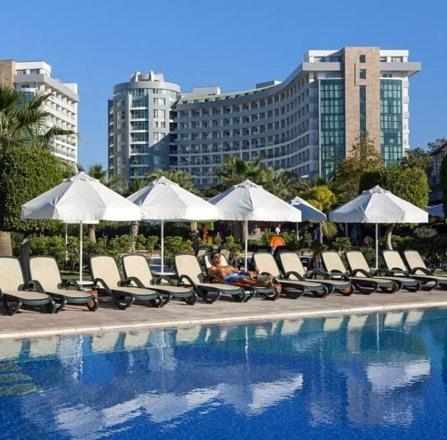 https://mediteranatour.ro/wp-content/uploads/2019/11/sherwood-exclusive-hotel-rezerva-rezervari-antalya-..-1280x853-1-650x640.jpg