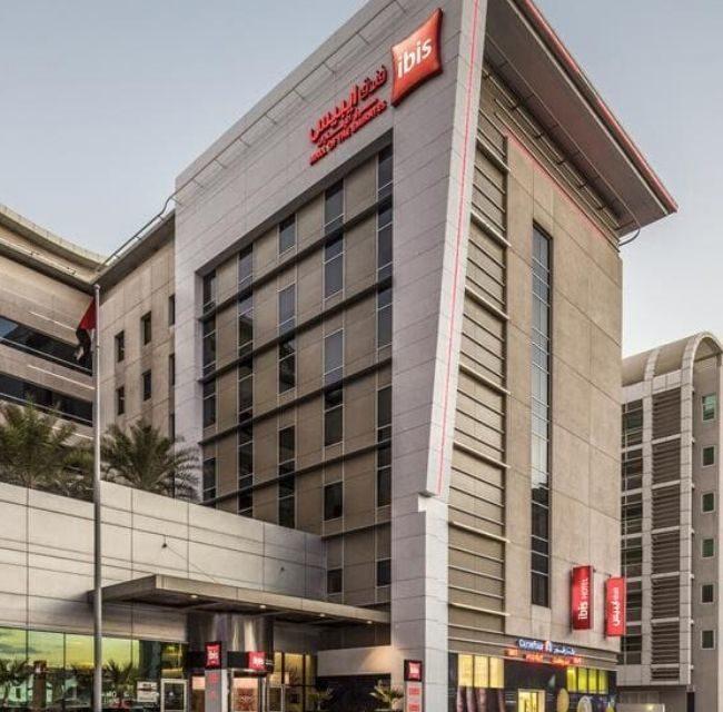 https://mediteranatour.ro/wp-content/uploads/2019/12/reprezentativa-oferta-dubai-last-minute-emiratele-arabe-unite-zbor-charter-inclus-mediterana-tour-ibis-mall-of-the-emirates-hotel-650x640.jpg