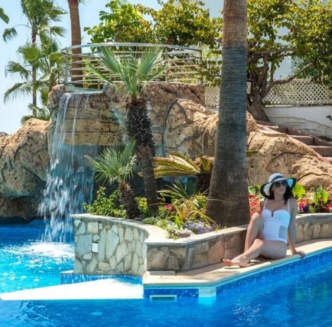 https://mediteranatour.ro/wp-content/uploads/2020/01/reprezentativa-lordos-beach-hotel-paste-2020-cipru-paste-ortodox-vacante-oferta-sejur-paste-2020-cipru-zbor-charter-inclus-650x640.jpg