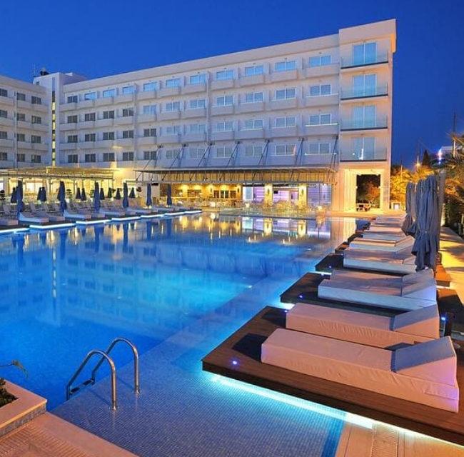 https://mediteranatour.ro/wp-content/uploads/2020/01/reprezentativa-nestor-hotel-paste-2020-cipru-paste-ortodox-vacante-oferta-sejur-paste-2020-cipru-zbor-charter-inclus-1-650x640.jpg