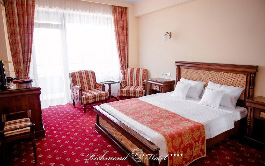 https://mediteranatour.ro/wp-content/uploads/2020/03/cazare-recenzii-rezervari-hotel-richmond-din-mamaia-litoral-romania-oferte-litoral-12-1024x640.jpg