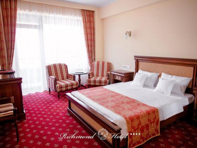 https://mediteranatour.ro/wp-content/uploads/2020/03/cazare-recenzii-rezervari-hotel-richmond-din-mamaia-litoral-romania-oferte-litoral-12-640x480.jpg