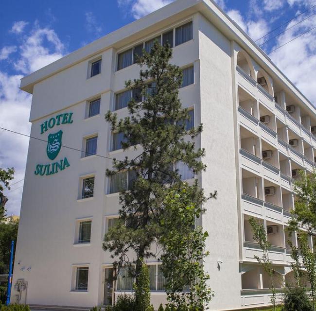 https://mediteranatour.ro/wp-content/uploads/2020/03/hotel-sulina-international-cazare-hotel-sulina-mamaia-litoral-romania-650x640.png