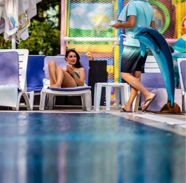 https://mediteranatour.ro/wp-content/uploads/2020/05/Oferta-Hotel-Prestige-Deluxe-Aquapark-Club-4-7-nopți-All-Inclusive-Nisipurile-de-Aur-Bulgaria-5-650x640.jpg