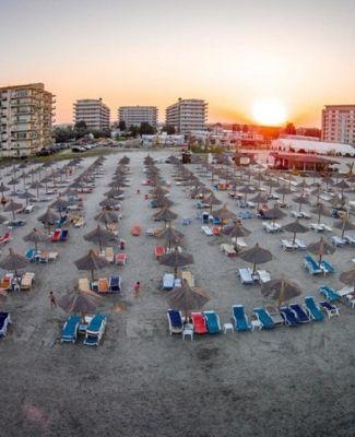 https://mediteranatour.ro/wp-content/uploads/2020/11/phoenicia-holiday-resort-din-mamaia.-Oferte-Mamaia-de-lux.jpg
